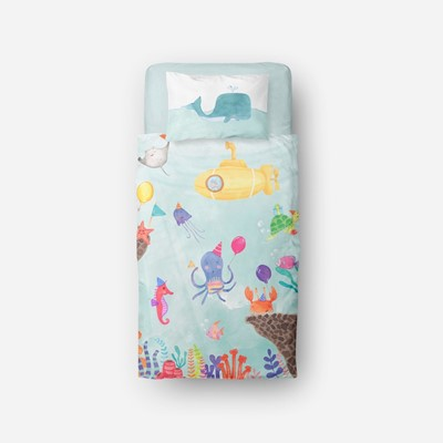 cake-by-the-ocean-kid-bed-set