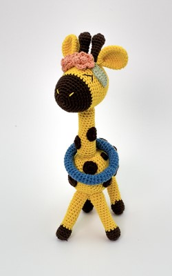 miss-giraffe-sleeping-toy