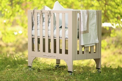 foldable-rectangular-crib-bed-chemical-free-gray-coloring-100-organic-cotton-mattres